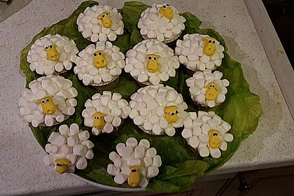 Cupcake-Schafe mit Marshmallow-Frosting 191