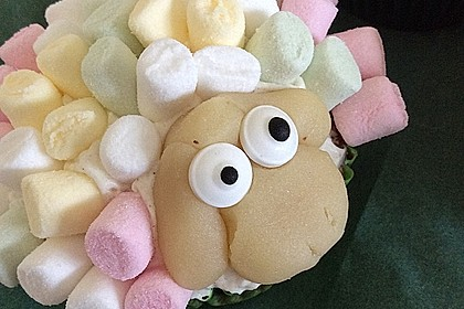 Cupcake-Schafe mit Marshmallow-Frosting 14