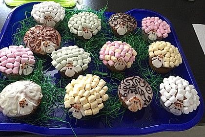 Cupcake-Schafe mit Marshmallow-Frosting 197