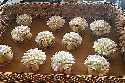 Cupcake-Schafe mit Marshmallow-Frosting 40