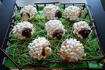 Cupcake-Schafe mit Marshmallow-Frosting 154