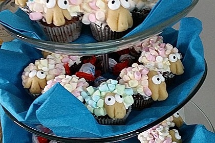 Cupcake-Schafe mit Marshmallow-Frosting 171