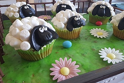 Cupcake-Schafe mit Marshmallow-Frosting 184
