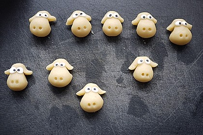 Cupcake-Schafe mit Marshmallow-Frosting 87