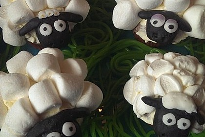 Cupcake-Schafe mit Marshmallow-Frosting 116