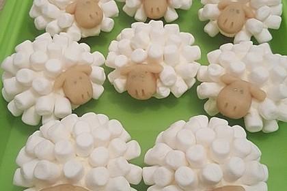 Cupcake-Schafe mit Marshmallow-Frosting 23