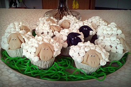 Cupcake-Schafe mit Marshmallow-Frosting 96
