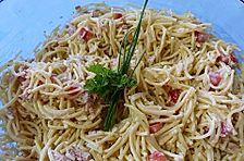 Nudelsalat mit Fadennudeln und Thunfisch