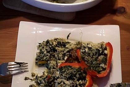 Geschmorte Paprika gefüllt mit Feta-Spinat-Reis 2