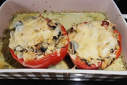 Geschmorte Paprika gefüllt mit Feta-Spinat-Reis 9