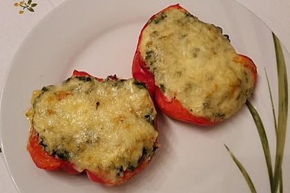 Geschmorte Paprika gefüllt mit Feta-Spinat-Reis 3