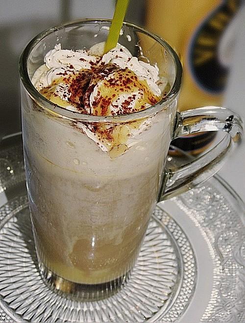 kaffee mit eierlik r rezept mit bild von ep1312. Black Bedroom Furniture Sets. Home Design Ideas