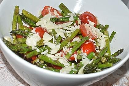 Spargel-Tomaten-Salat mit Parmesan