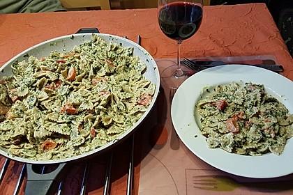 Nudeln mit Spinat, Schafskäse und Tomate 23
