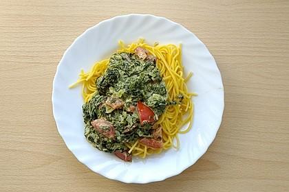 Nudeln mit Spinat, Schafskäse und Tomate 24