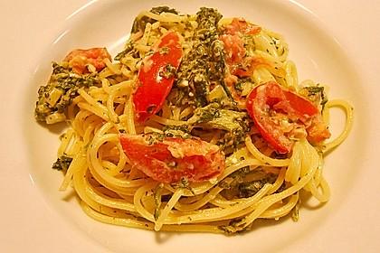 Nudeln mit Spinat, Schafskäse und Tomate 27