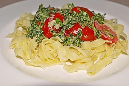 Nudeln mit Spinat, Schafskäse und Tomate 13