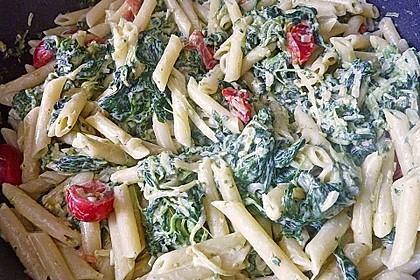 Nudeln mit Spinat, Schafskäse und Tomate 50