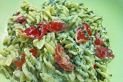 Nudeln mit Spinat, Schafskäse und Tomate 55