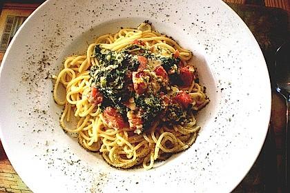 Nudeln mit Spinat, Schafskäse und Tomate 8