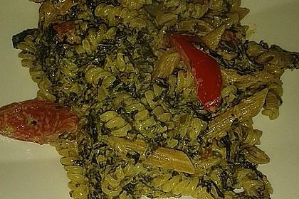 Nudeln mit Spinat, Schafskäse und Tomate 61