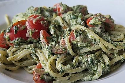 Nudeln mit Spinat, Schafskäse und Tomate 28