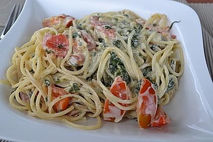 Nudeln mit Spinat, Schafskäse und Tomate 19