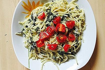 Nudeln mit Spinat, Schafskäse und Tomate 11