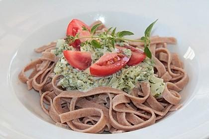 Nudeln mit Spinat, Schafskäse und Tomate 53