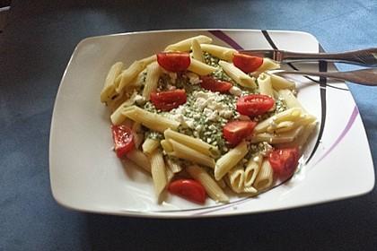 Nudeln mit Spinat, Schafskäse und Tomate 39