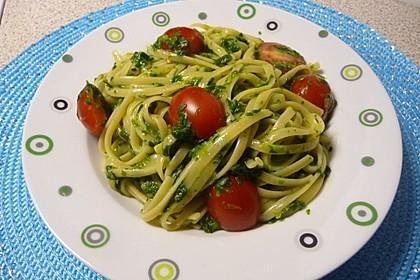 Nudeln mit Spinat, Schafskäse und Tomate 1