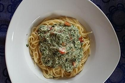 Nudeln mit Spinat, Schafskäse und Tomate 40