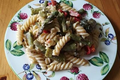 Sehr aromatische Pasta mit grünem Spargel 11