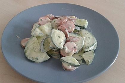 Gurkensalat mit Würstchen 6