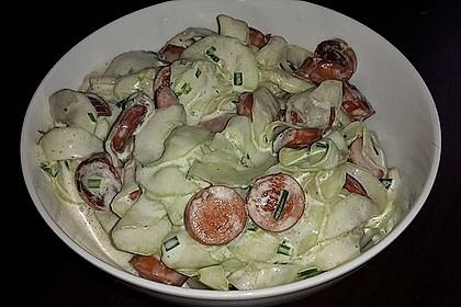 Gurkensalat mit Würstchen 3