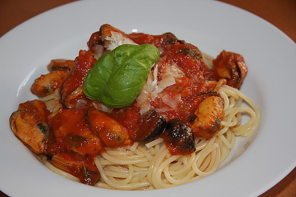 spaghetti mit muscheln und oliven in tomatenso e rezept mit bild. Black Bedroom Furniture Sets. Home Design Ideas