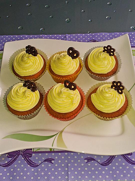 vanille cupcakes mit buttermilch rezepte suchen. Black Bedroom Furniture Sets. Home Design Ideas