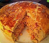 Hefeteigkuchen mit Hackfleisch-Gemüsefüllung (Bild)