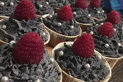 White Chocolate-Raspberry-Cupcakes 4