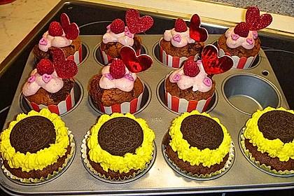 Himbeer-Schoko-Cupcakes 12