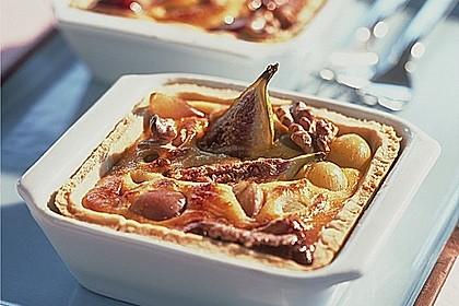 Käse-Quiche mit Weintrauben, Feigen und Walnüssen