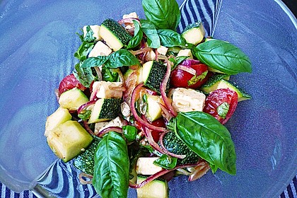 Zucchini-Tomaten-Salat 10