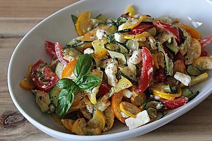 Zucchini-Tomaten-Salat
