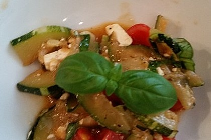 Zucchini-Tomaten-Salat 8