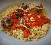 Lamm-Pinienkerne Hackbällchen mit Pasta