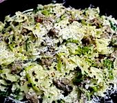 Farfalle mit Bratwurst und Gorgonzola