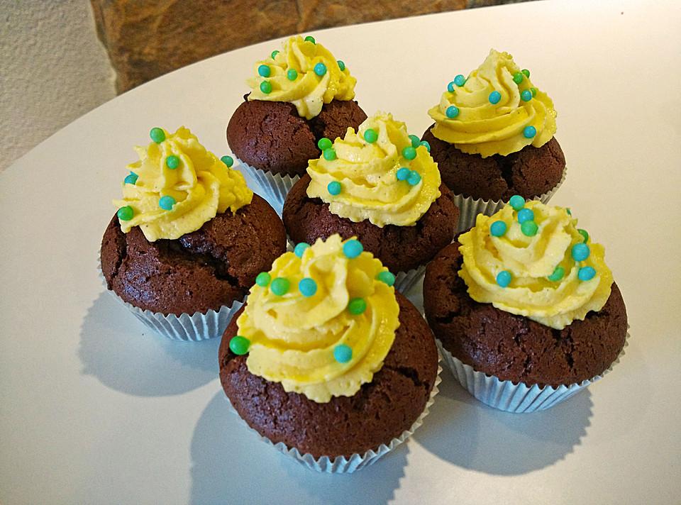 joghurt cupcakes mit leichtem quark sahne topping rezept. Black Bedroom Furniture Sets. Home Design Ideas