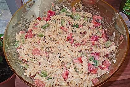Nudelsalat mit Paprika-Peperoni Dressing 1