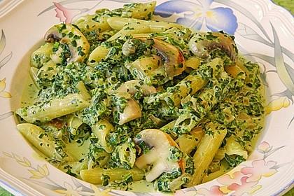 Pasta mit Champignon-Spinat-Käse-Sauce 2