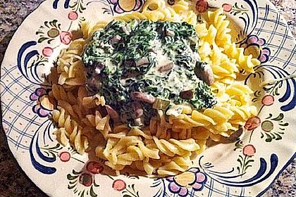 Pasta mit Champignon-Spinat-Käse-Sauce 8